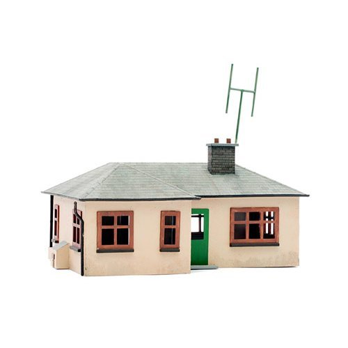 OO Building plastic kit (house) - Detached Bungalow - Dapol Kitmaster C021